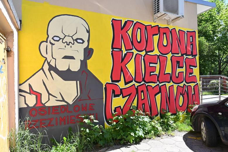 Na wszystkich kieleckich osiedlach, głównie na budynkach i murach, można zobaczyć kibicowskie graffiti związane z grającą w PKO Ekstraklasie Koroną.