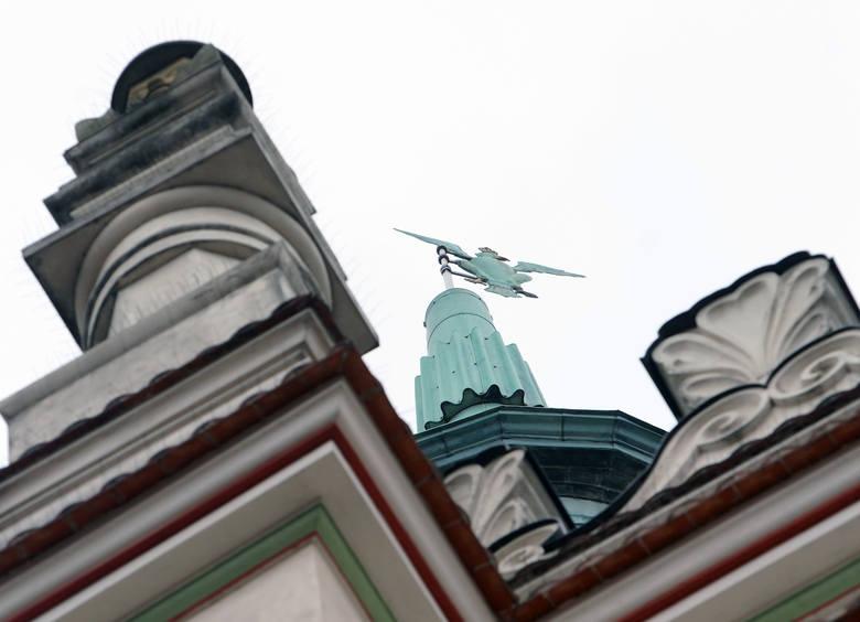 Poznań: Orzeł z wieży ratusza ma 236 lat. Po raz pierwszy rozpostarł skrzydła nad miastem w 1783 roku