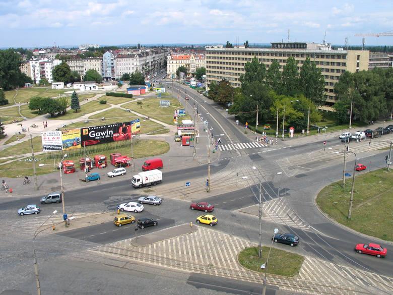 Tak wyglądał plac Grunwaldzki w 2003 roku