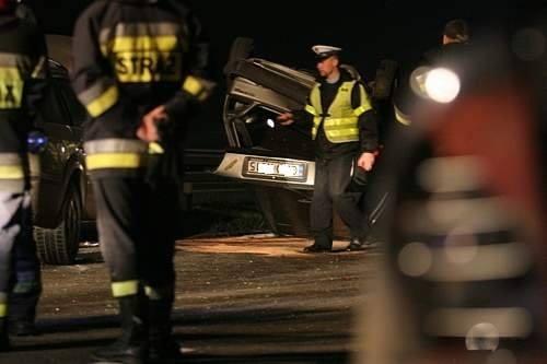 Wypadek pod Lesznem. W Długich Starych zginęły dwie osoby