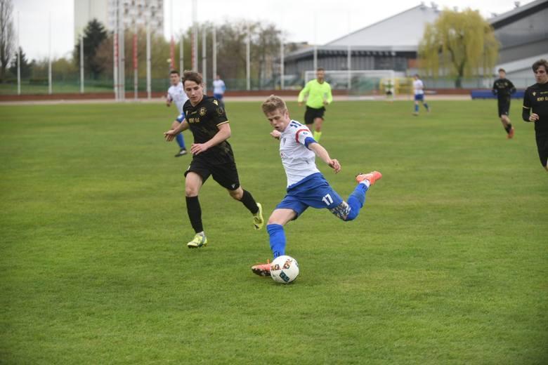 W meczu 26. kolejki piłkarze Pomorzanina Toruń pokonali Gryfa Wejherowo 2:0 (1:0). Pierwsza połowa nie była zbyt udana w ich wykonaniu, ale po przerwie