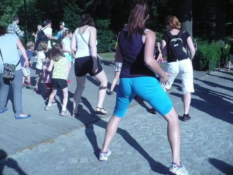 Wrocław: W Parku Południowym tańczą zumbę (ZDJĘCIA)