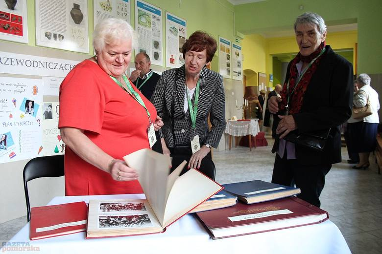 Zespół Szkół Centrum Kształcenia Rolniczego w Starym Brześciu obchodził 90-lecie istnienia. Uroczystości rozpoczęły się od mszy koncelebrowanej przez