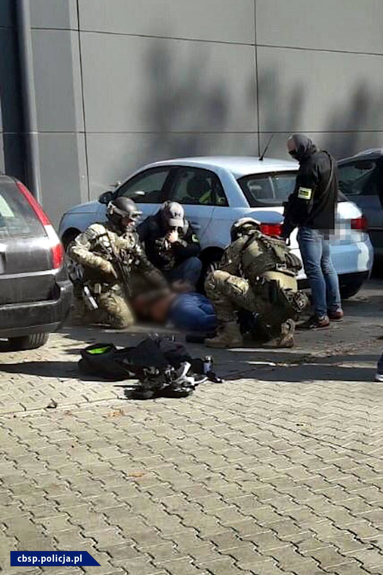 """Policja opublikowała materiały nt. zatrzymania Tomasza B., ps. """"Kadafi""""."""