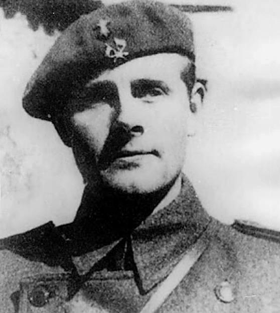 Major Peter Kemp, weteran walk w Hiszpanii. Wykonywał tajne misje dla SOE we Francji, w Albanii i Czarnogórze