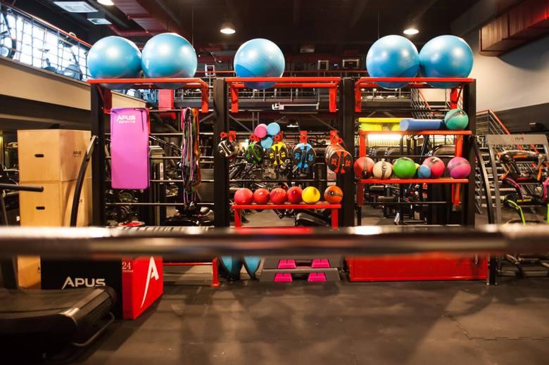 Właściciele siłowni i klubów fitness mają pewne obawy dotyczące powrotu. Czas pandemii zmusił Polaków ćwiczenia w domu.