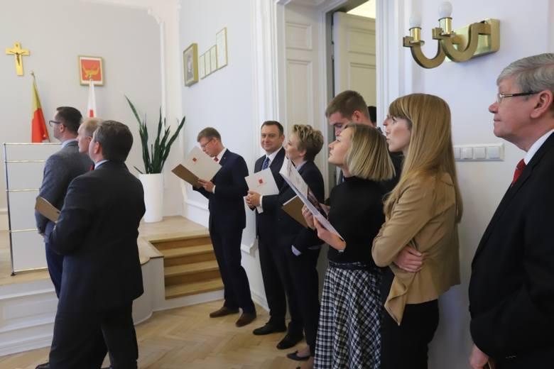 Tort i szampan na ostatniej sesji Rady Miejskiej w Łodzi [zdjęcia]