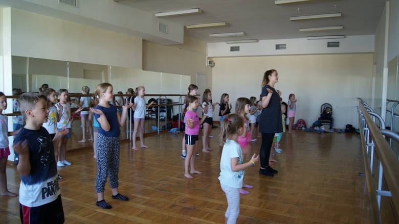 Teatr + Śpiew + Taniec = Tygodniowe warsztaty artystyczne