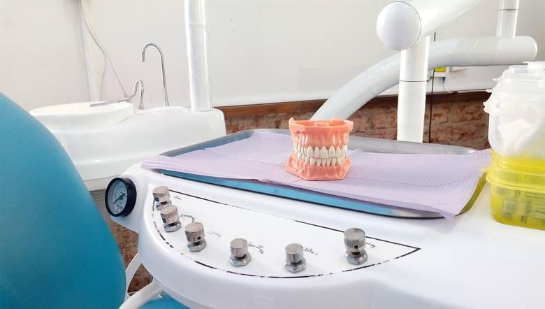 Najczęstsze potrzeby stomatologiczne seniorów