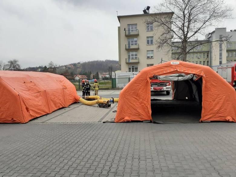 Kraków. Ponad 360 zakażonych koronawirusem w regionie. Wojewoda: obowiązkowe mierzenie temperatury personelowi szpitali