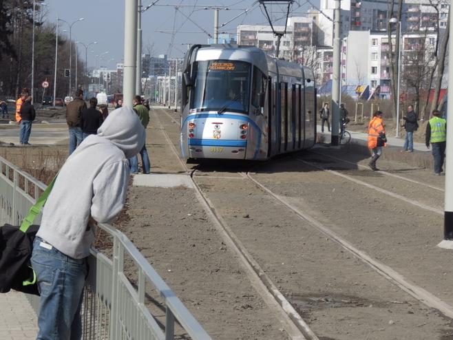 Tramwaj Plus dojechał na Kozanów! (FILM i ZDJĘCIA)