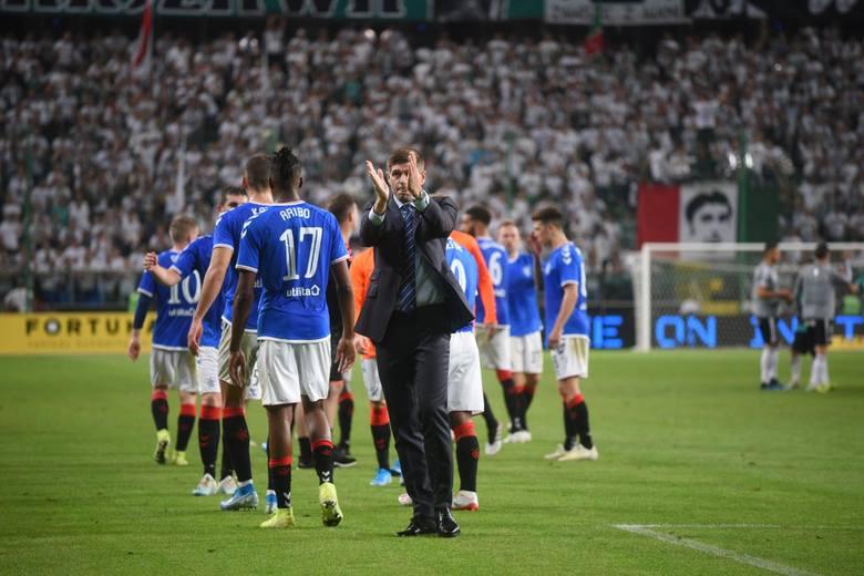 Lech Poznań po niezwykle emocjonującym widowisku pokonał na wyjeździe Charleroi 2:1 i awansował po pięciu latach do Ligi Europy. Trafił do grupy D, w