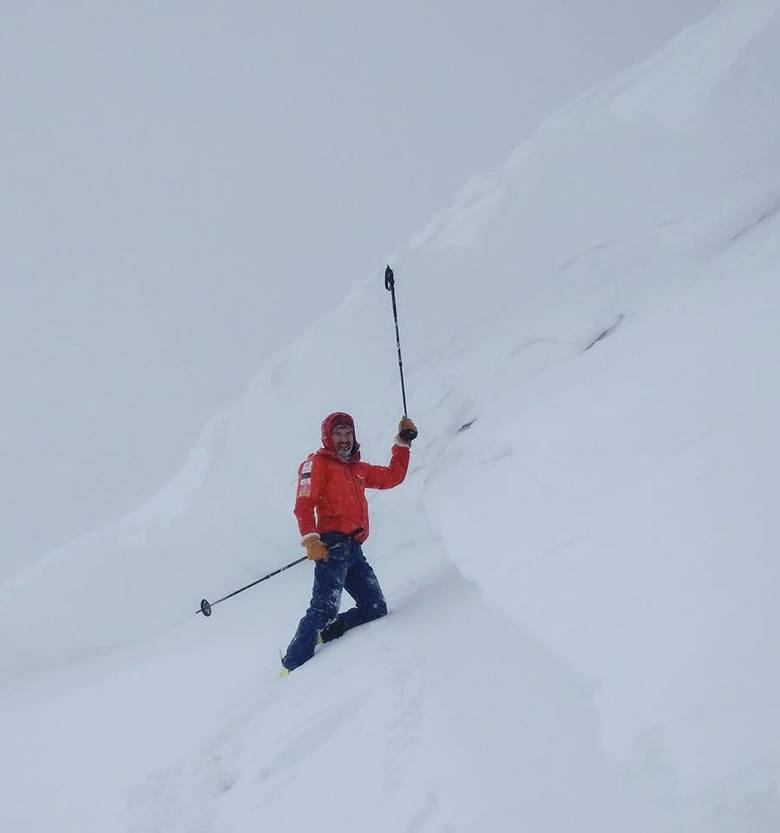 - Prosimy turystów oraz narciarzy skiturowych o niezbaczanie ze szlaków, gdyż tym sposobem nieświadomie można znaleźć się w terenie bezpośrednio zagrożonym
