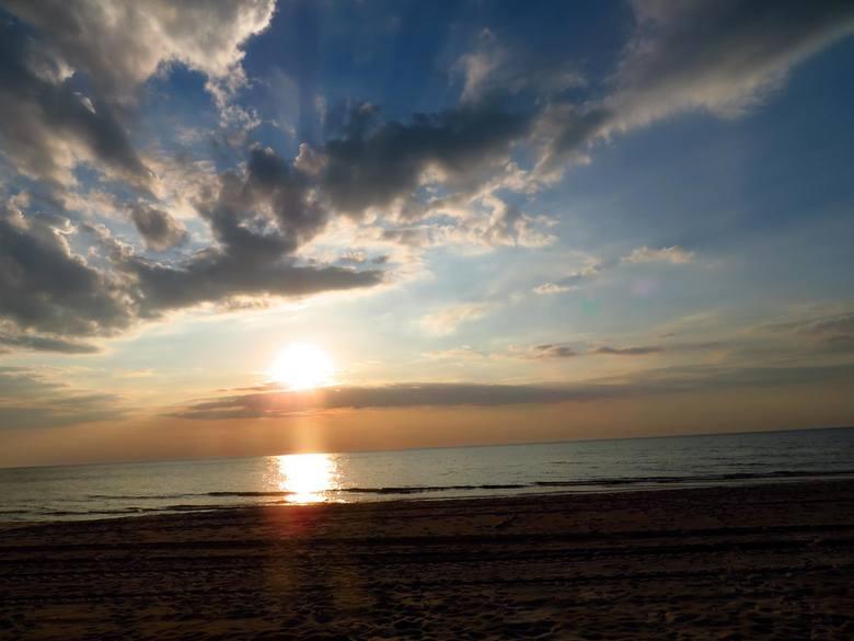 Na nasz adres mailowy alarm@gp24.pl otrzymaliśmy galerię zdjęć z pięknymi wschodami i zachodami słońca. Fotografie wykonane zostały głównie w okolicy