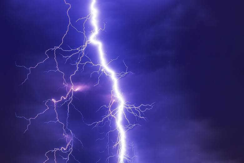 IMGW ostrzega przed burzami w Kujawsko-Pomorskiem [radar burzowy, gdzie jest burza?]