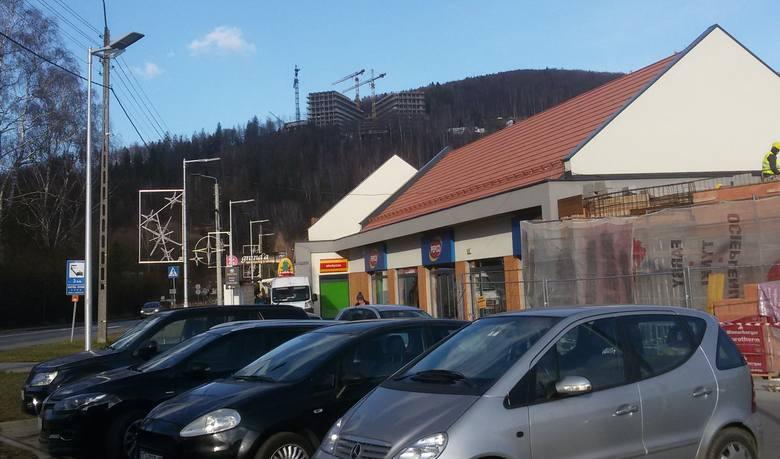 Luksusowy hotel Crystal Mountain w Wiśle będzie miał pięć gwiazdek. Obiekt już w połowie jest gotowy ZDJĘCIA, WIZUALIZACJE