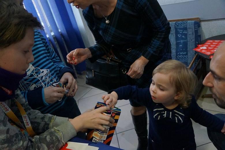 MDK Białystok gra dla WOŚP. Rodzinne spotkanie i pomaganie (zdjęcia i wideo)