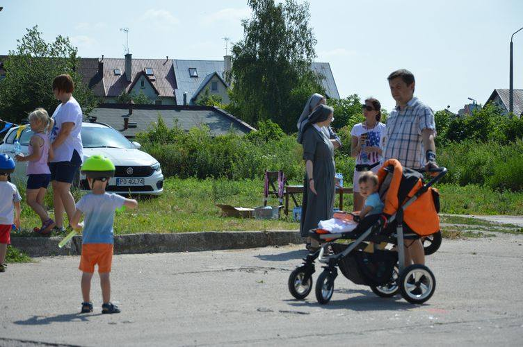 Piknikowy i sportowy jubileusz parafii na Widoku [ZDJĘCIA]