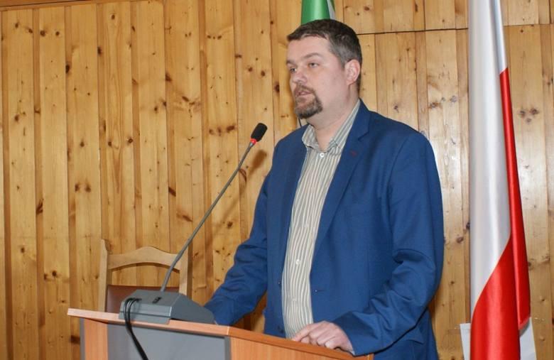 Adam Domiński, doradca burmistrz Jolanty Fierek jest też od kilku miesięcy dyrektorem biura swojego teścia Lecha Wałęsy.