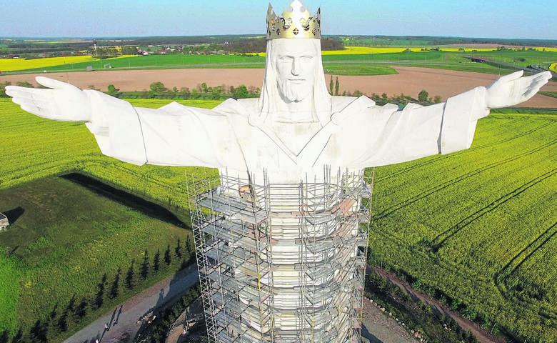 Pomnik Chrystusa Króla od pięciu i pół roku góruje nad Świebodzinem