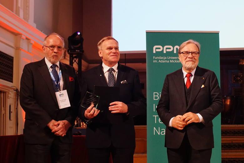 W poniedziałek, 6 maja, w Auli UAM odbyła się konferencja naukowa dotycząca doskonałości w nauce. Rozdane zostały też nagrody Fundacji UAM. Pojawili