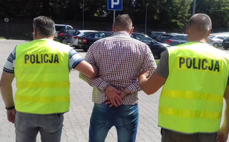 Do 12 lat więzienia grozi trzem łodzianom, którzy włamali się do mieszkania mieszkającego przy ul. Wróblewskiego obywatela Ukrainy, pobili go i okradli.