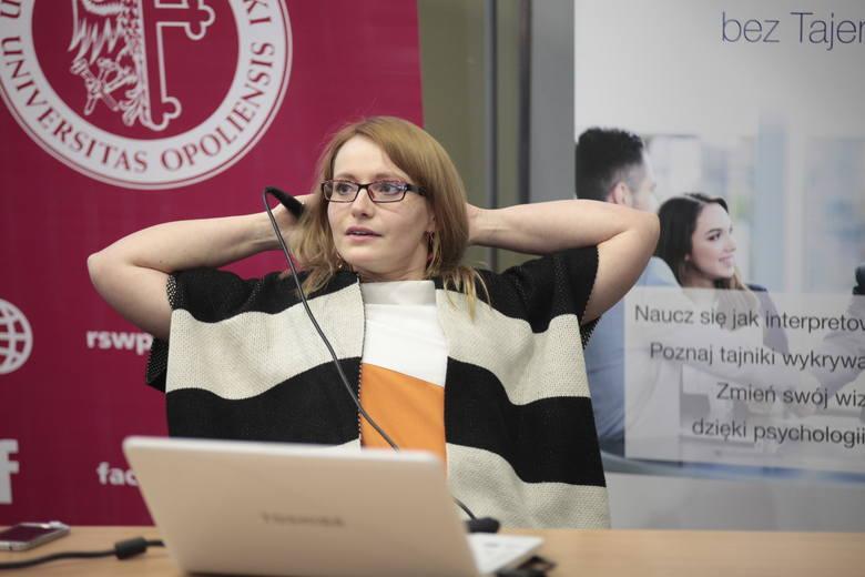 Diana Nowek, specjalista od odczytywania mowy ciała, dała wykład w miniony czwartek na Uniwersytecie Opolskim na zaproszenie Rady Studenckiej Wydziału