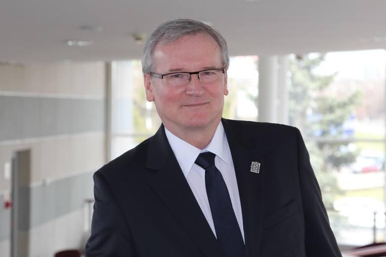 Dr Grzegorz Wrona: Badamy skargi pacjentów żwawiej niż w sądzie [ROZMOWA]