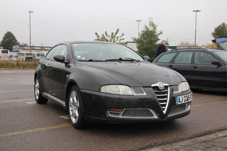 Alfa Romeo GT, 2005 r., 1,9 16V JTDS, centralny zamek, elektryczne szyby, klimatronic, ABS, ESP, skórzana tapicerka, 6-biegowa skrzynia biegów, immobiliser,