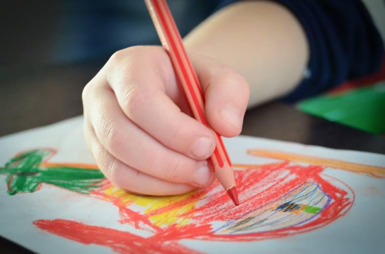 Laurka to prawdziwy prezent na Dzień Ojca od serca - w sercu można napisać życzenia na Dzień Ojca. Mogą ją przygotować nie tylko małe dzieci!