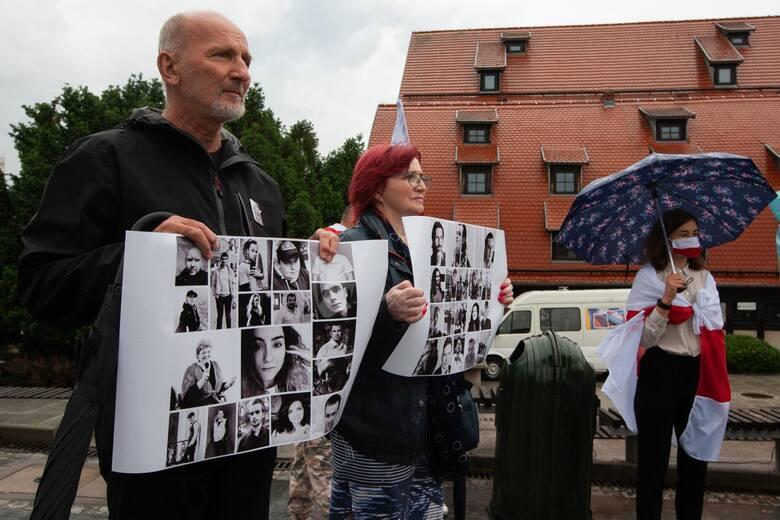 12 czerwca w Bydgoszczy Białorusini mieszkający w naszym regionie przygotowali wiec poparcia z represjonowanymi rodakami. Odczytali listy białoruskich