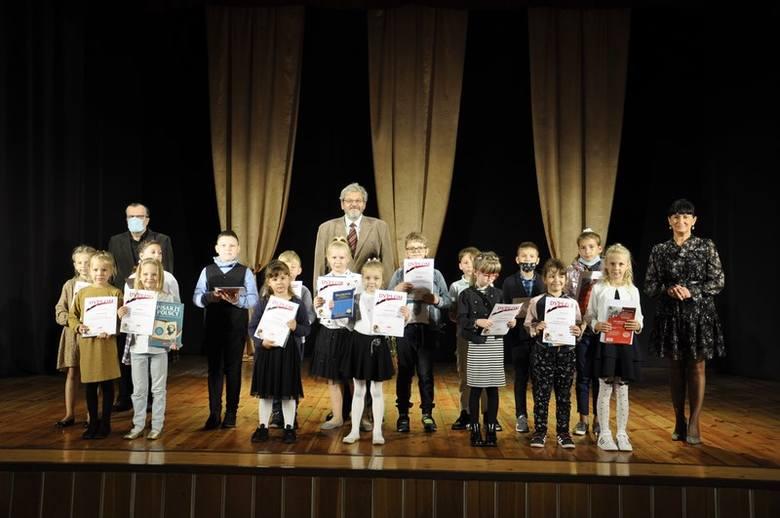 Za nami 37. powiatowe eliminacje Małego Konkursu Recytatorskiego. Do kolejnego etapu zakwalifikowało się dziewięciu młodych recytatorów.