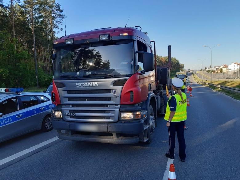 """Po długim weekendzie policja zorganizowała akcję """"Trzeźwy poranek"""" w województwie podlaskim. Od rana kierowcy są zatrzymywani do kontroli."""