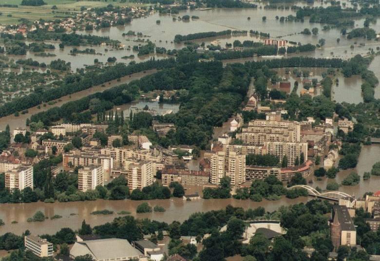 Powódź 1997 nad Opolszczyzną z lotu ptaka. Opole (Paweł Stauffer)