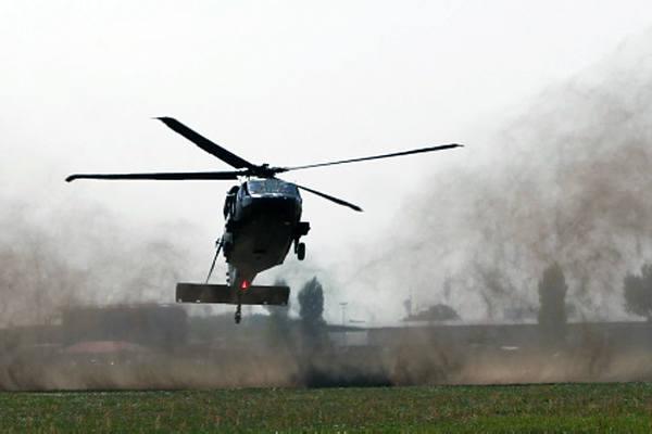 Pokaz helikoptera Black Hawk w Mielcu [ZDJĘCIA]