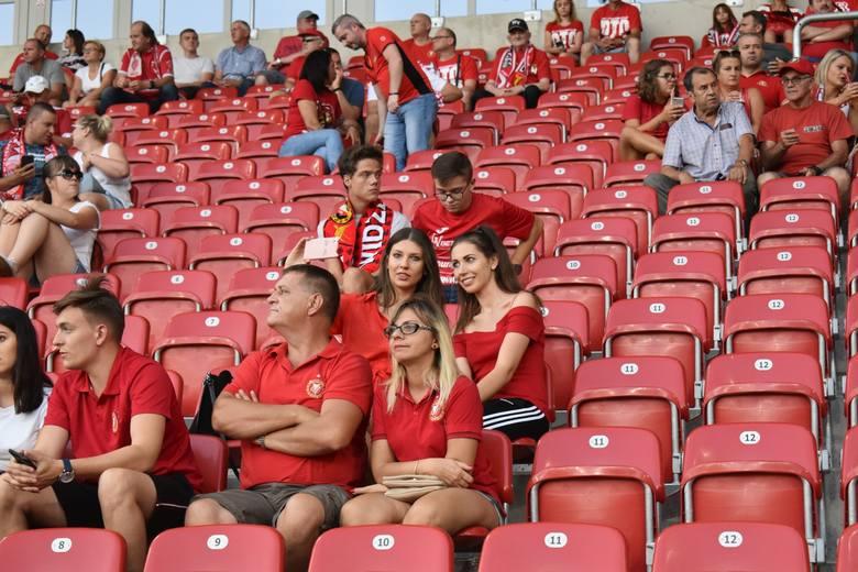 Mecze na stadionie Widzewa Łódź to zawsze spore wydarzenie. Zobaczcie zdjęcia zza kulis pojedynku ze Stalą Rzeszów