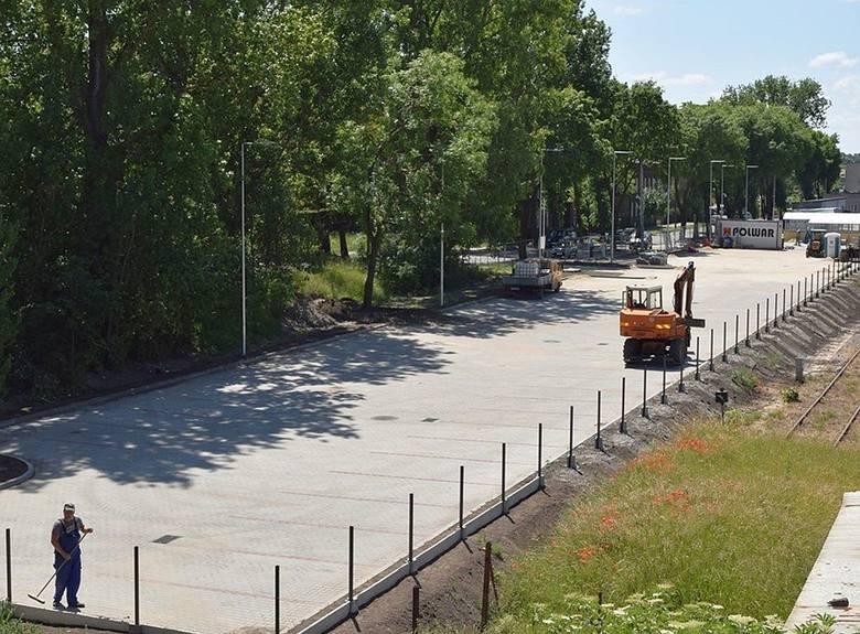 Budowa parkingu przy dworcu PKP w Inowrocławiu dobiega końca