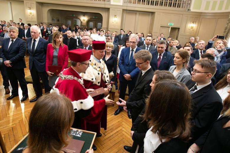 W środę, 10 października, odbyła się oficjalna inauguracja roku akademickiego 2018/2019 na Uniwersytecie Kazimierza Wielkiego w Bydgoszczy. Zobacz zdjęcia