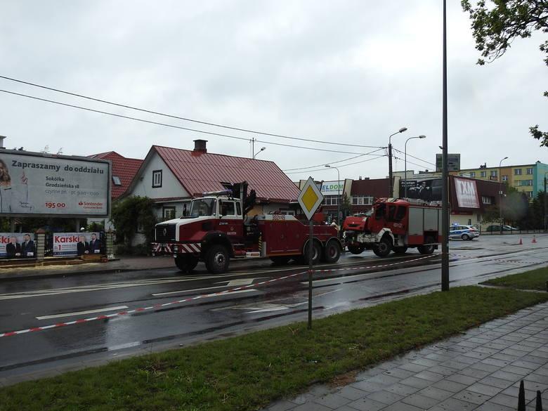 Sokółka. Wypadek wozu straży pożarnej. Budynek, w który wjechał pojazd gaśniczy, nie nadaje się do zamieszkania [16.05.2019]