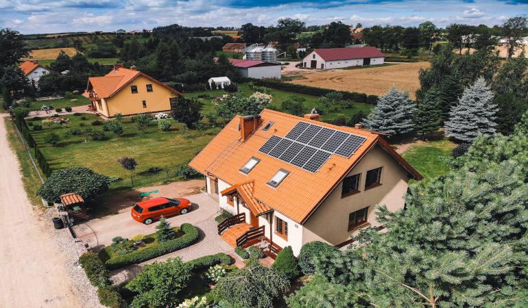 Odnawialne źródła energii. Dlaczego warto inwestować w fotowoltaikę i kiedy to się zwróci?