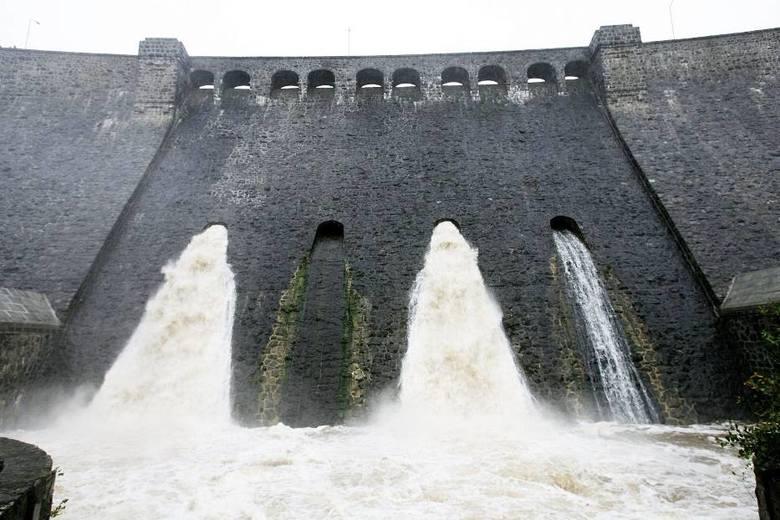Ostrzeżenie powodziowe dla Wrocławia, wody wciąż przybywa (ZDJĘCIA)