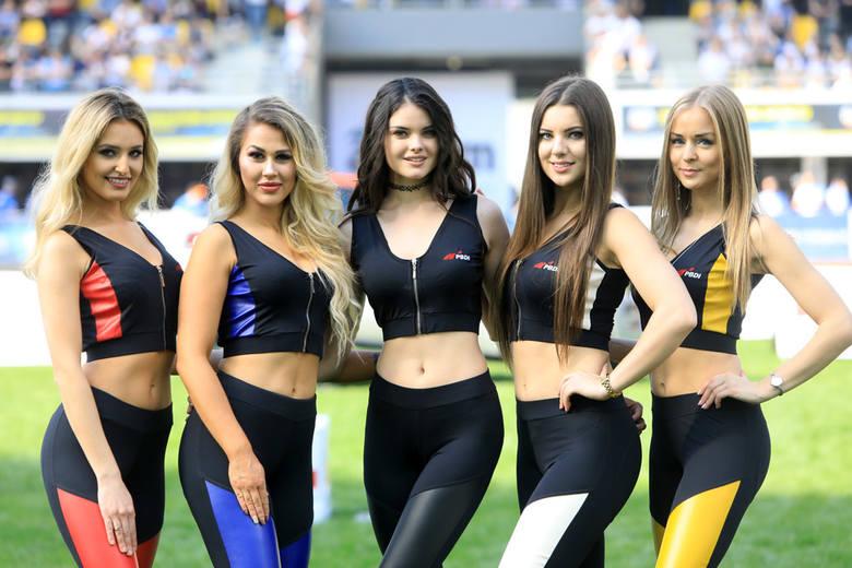 Osiem najpiękniejszych dziewcząt - każda reprezentuje jeden klub w PGE Ekstralidze - awansowało do finału Miss Startu PGE Ekstraligo. Zobaczcie zdjęcia