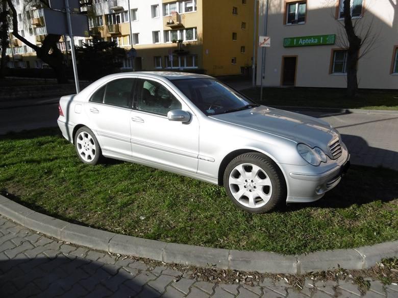 Co trzecie zgłoszenie do straży miejskiej w Inowrocławiu dotyczy nieprawidłowego parkowania.Tylko w kwietniu dyżurny straży miejskiej w Inowrocławiu
