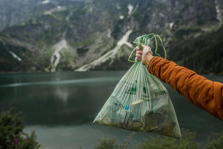 """Największe draństwoTo wyjść na górski szczyt, wypić tam piwo z puszki i pustą puszkę po prostu zostawić pod kamieniem. Takich """"prezentów"""""""