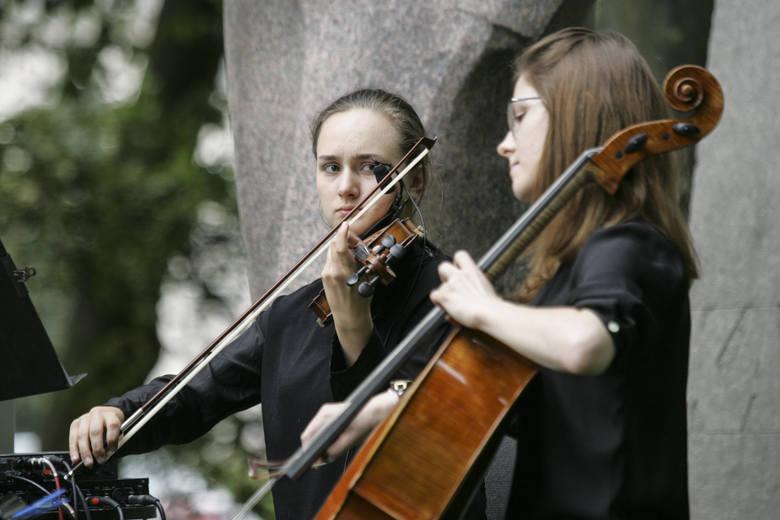 To był przedostatni koncert z cyklu Garden Party u Karola, organizowanego po raz czwarty przez słupską filharmonię. W weekend, w parku im. Waldorffa