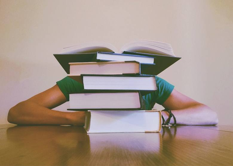 Wybierasz się na któryś z tych kierunków studiów? Uważaj! Możesz mieć potem duży problem ze znalezieniem pracy w swoim zawodzie.Lista powstała na podstawie