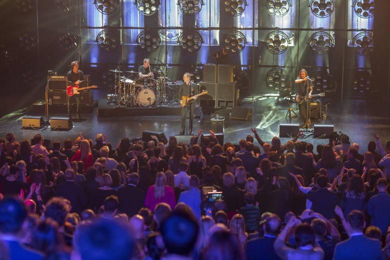 """Sting zaśpiewał 8.12. w sali koncertowej na Jordankach. Brytyjski gwiazdor muzyki wykonał w Toruniu takie kompozycje jak: """"I Can't Stop Thinking"""