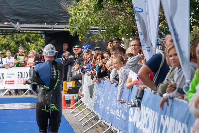 W samym centrum Bydgoszczy wokół hali Łuczniczka i Torbydu oraz na okolicznych ulicach rozpoczęła się największa triathlonowa impreza w Polsce. W sobotę
