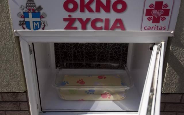 Pięciomiesięczna dziewczynka pozostawiona w Oknie Życia w Szczecinie
