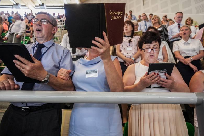 Regionalny kongres świadków JehowyHala Łuczniczka kongres świadków Jehowy, chrzest